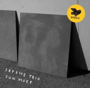 Sun Moee_CD Front